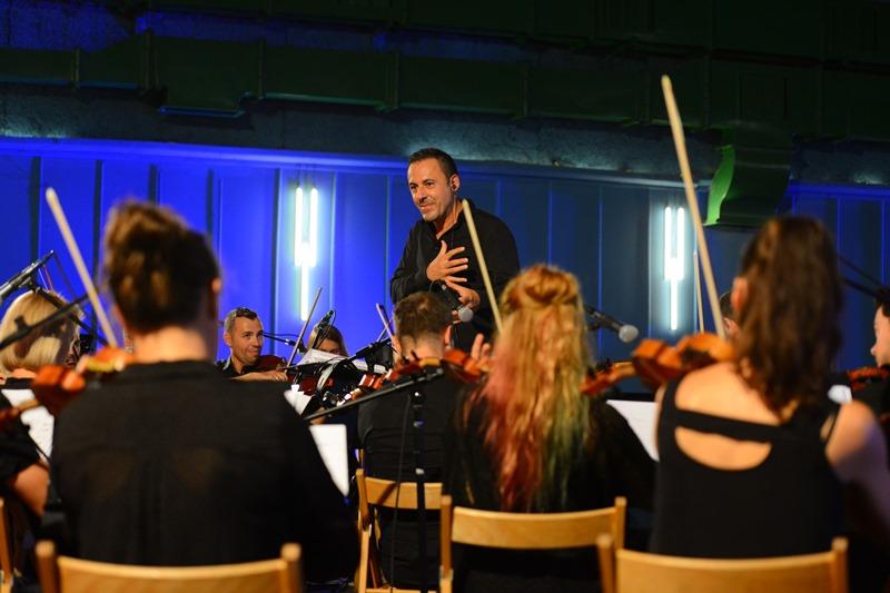 u-laubi-ovog-petka-nastupa-no-borders-orchestra